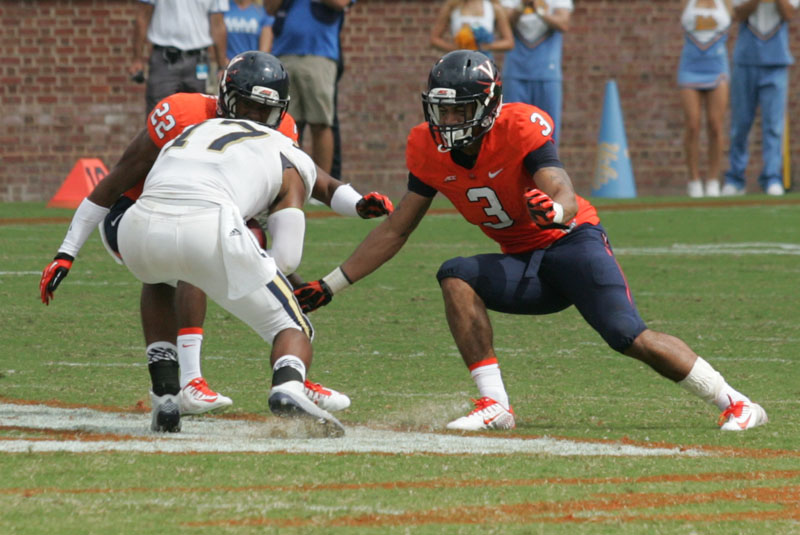 Quin Blanding (3) in action against UCLA earlier this season.