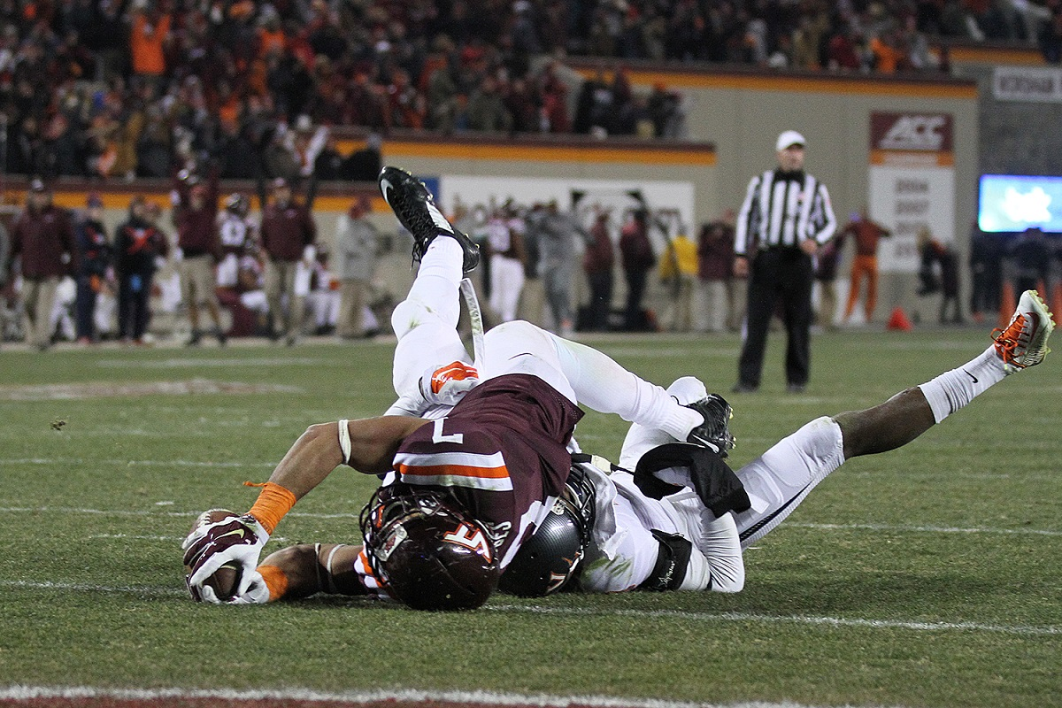 Bucky Hodges stretches for the winning score with 1:48 left