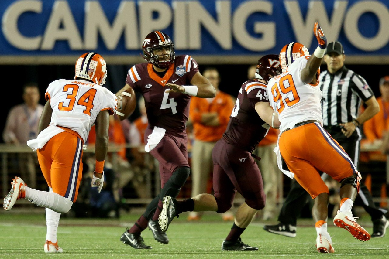 Virginia Tech Hokies quarterback Jerod Evans (4)