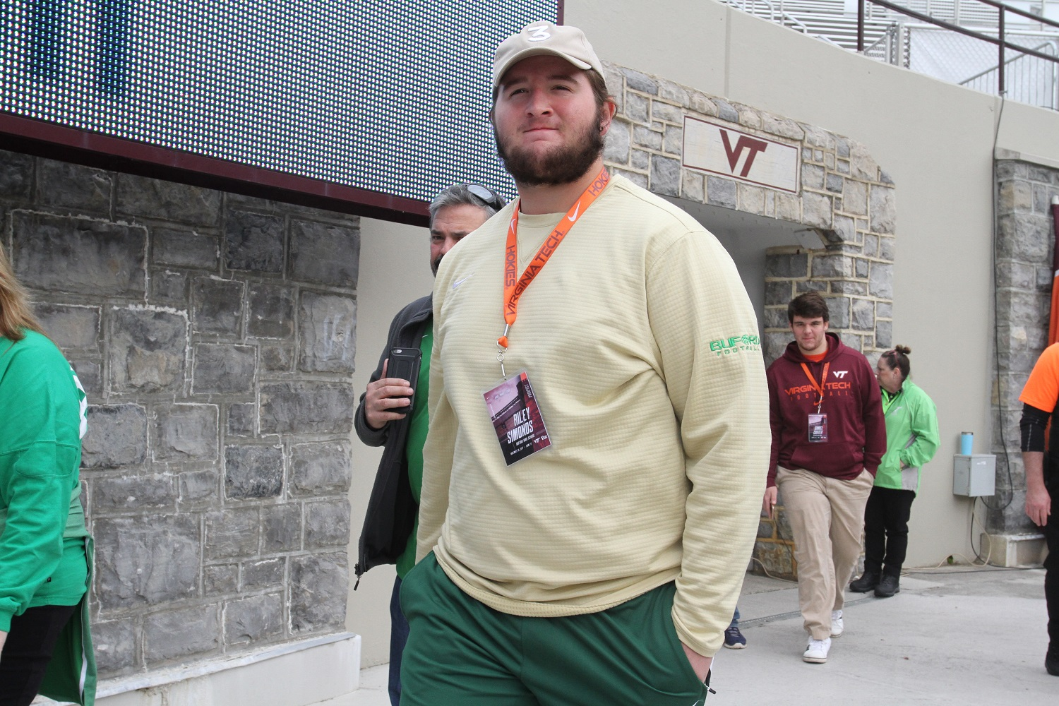 Virginia Tech recruiting Riley Simonds